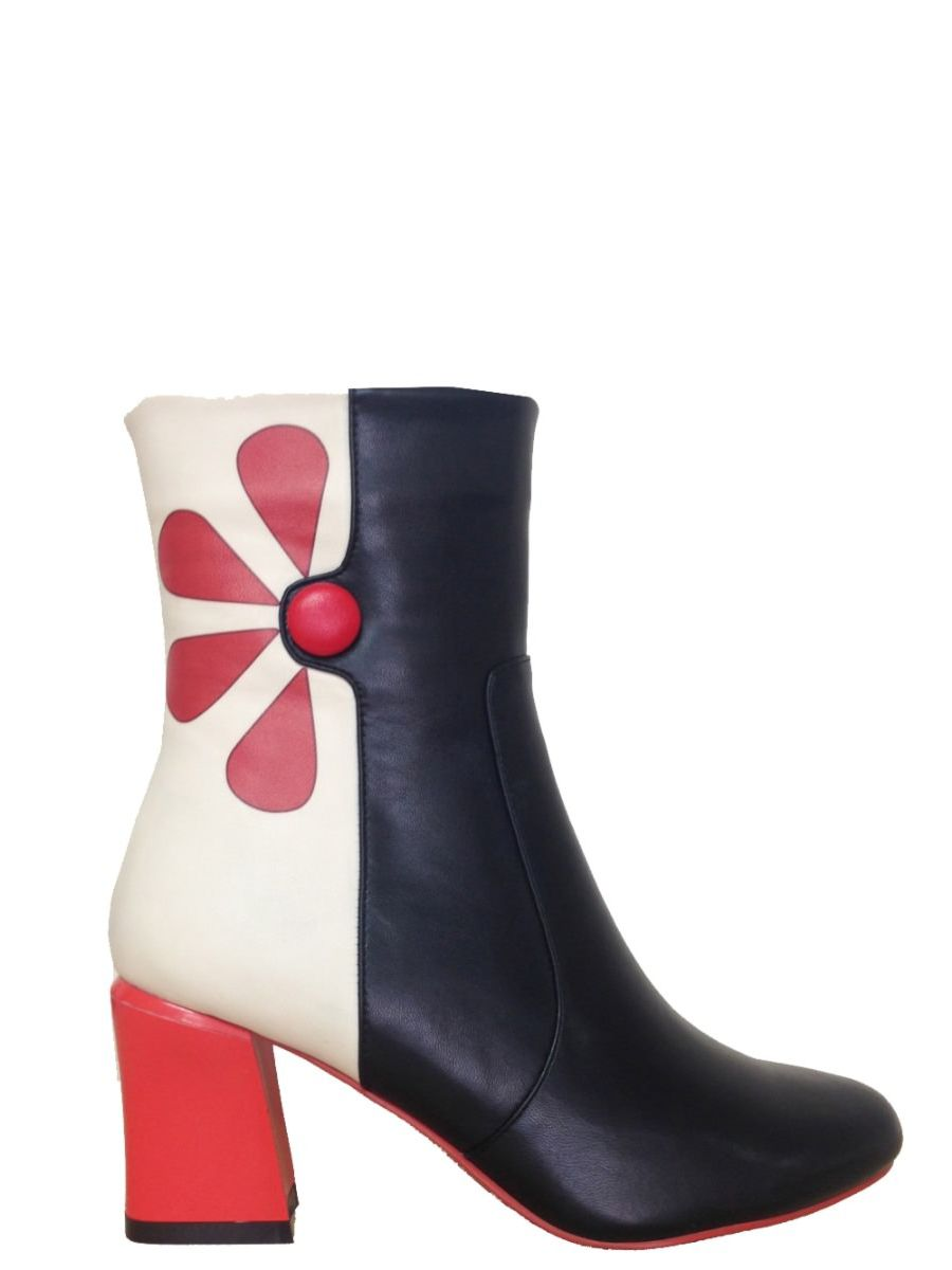 STRAWBERRY FIELDS FOREVER SHORT BOOTS